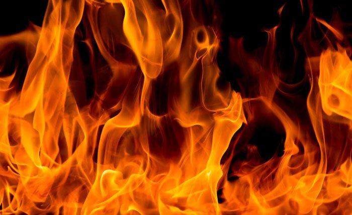 रसुवामा आगलागी हुदा पाँच घर जलेर नष्ट