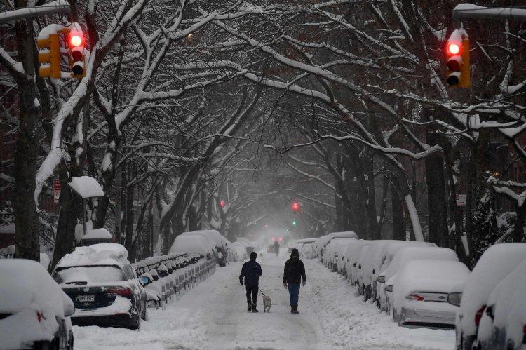 हिउँले ढाकिएको न्युयोर्क सिटी (फोटोफिचर)