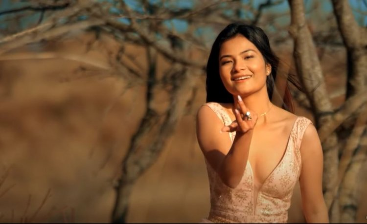 स्मिता दाहालले गाइन् हिन्दी गीत 'इबादत बन गए  हो'